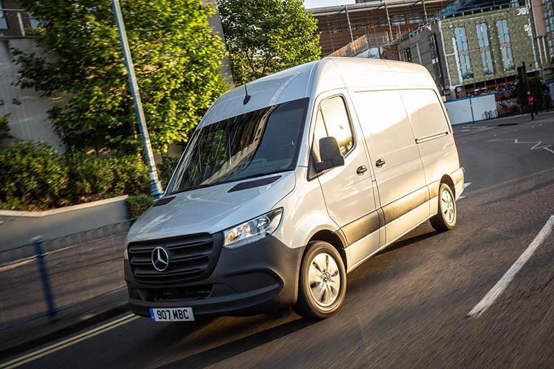 Advanced technology sets the new Sprinter van apart