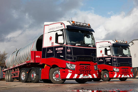 Two Renault T High trucks for Ian Robinson Transport
