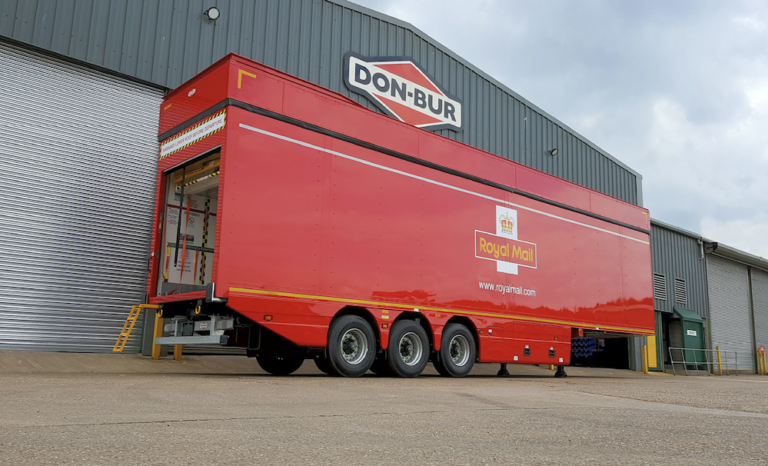 Royal Mail orders 45 tri-axle lifting deck trailers