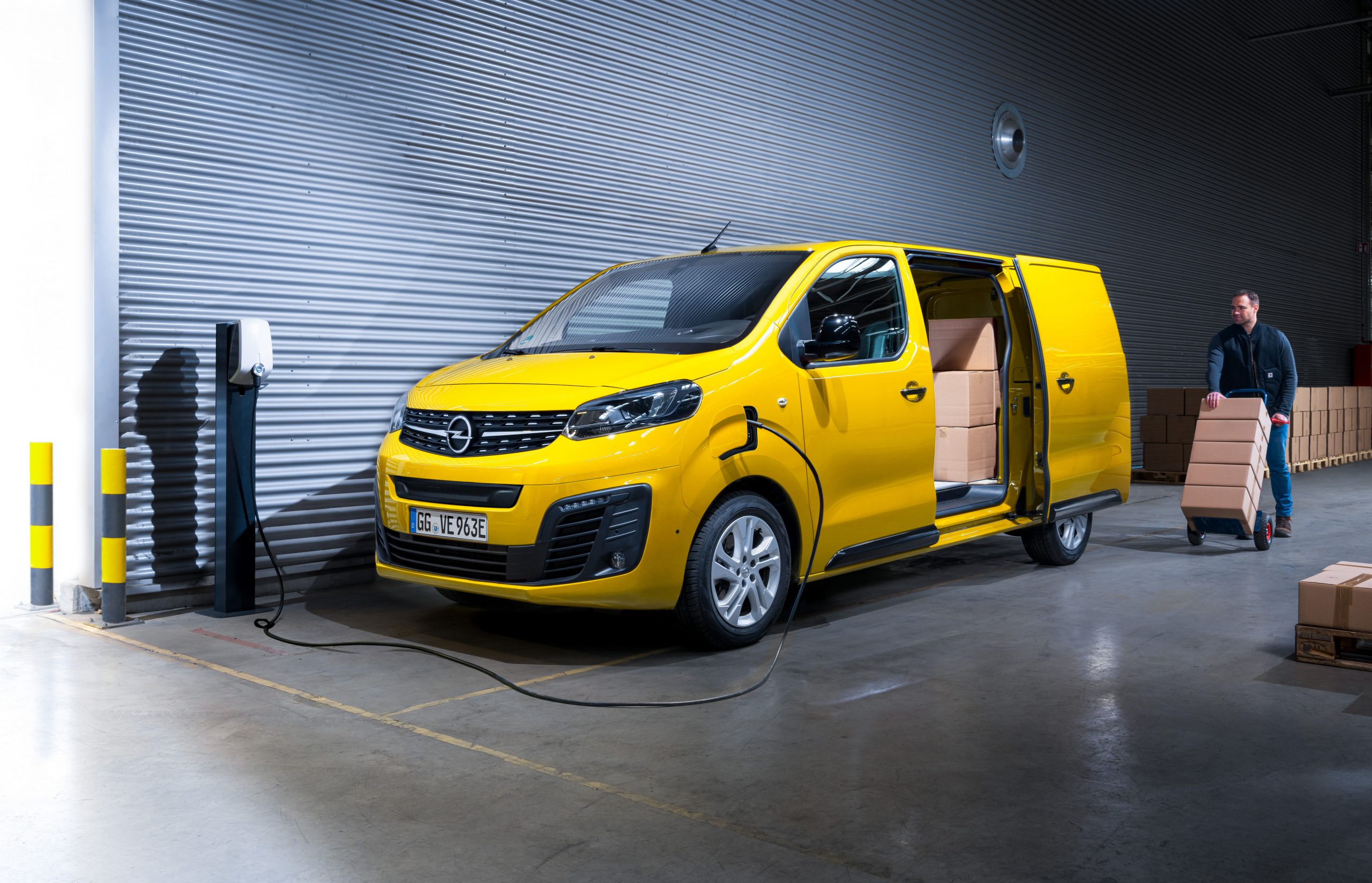 All-electric Opel Vivaro-e arrives in Ireland