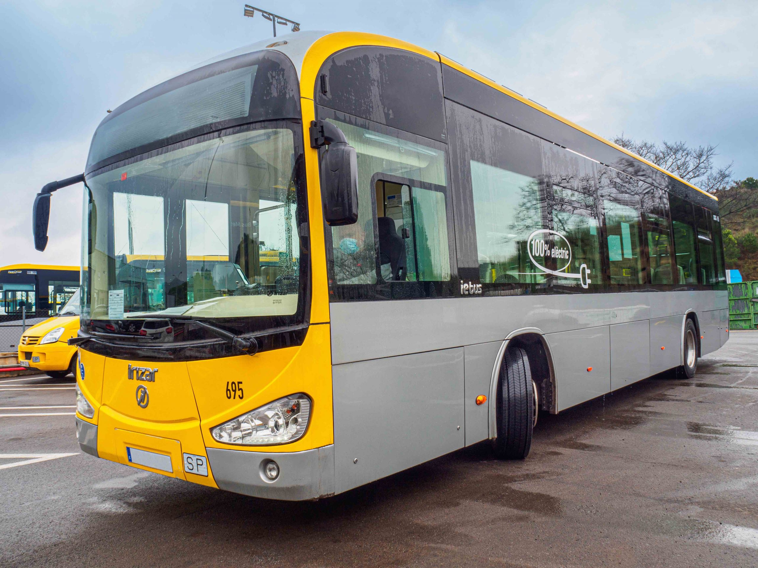 Michelin launches its first range of electric bus tyres